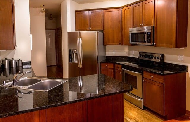 Kitchen Countertops Cleaning