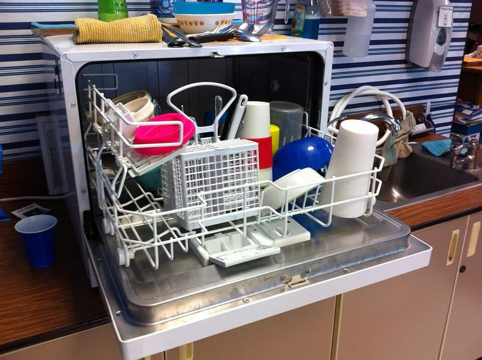 Clean the Dishwasher with Baking Soda
